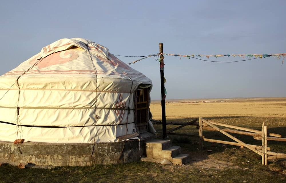 Inner Mongolia Grassland Tour – Escape the city into a Mongolian Yurt