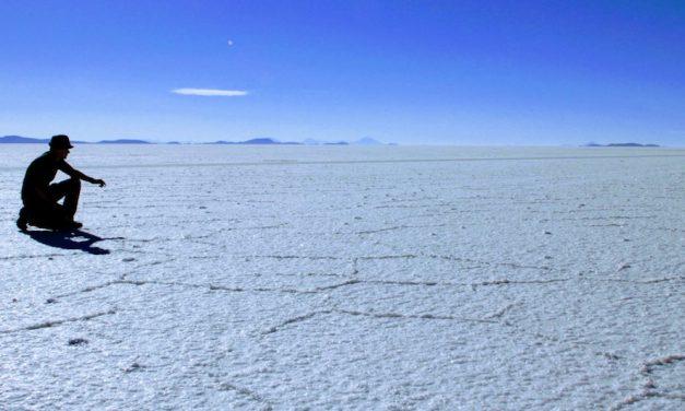 Uyuni Salt Flats Tour Bolivia – Find magic on the neverending white plains
