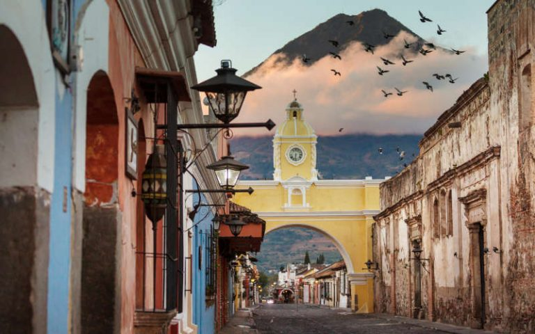 Backpacking Guatemala - Antigua