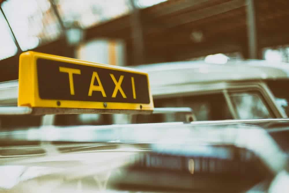 Scams by taxi drivers