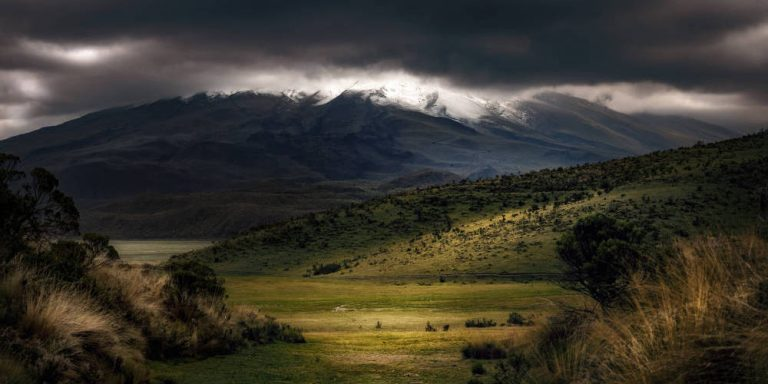 Ecuador to Colombia by bus. How to get from Quito to Ipiales over land