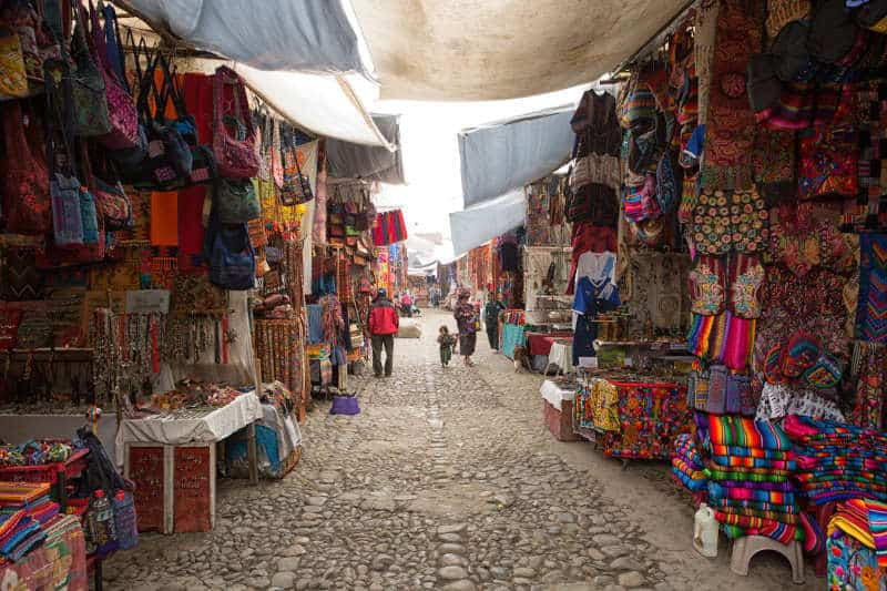 Things to do in Guatemala - Chichicastenango artisan market