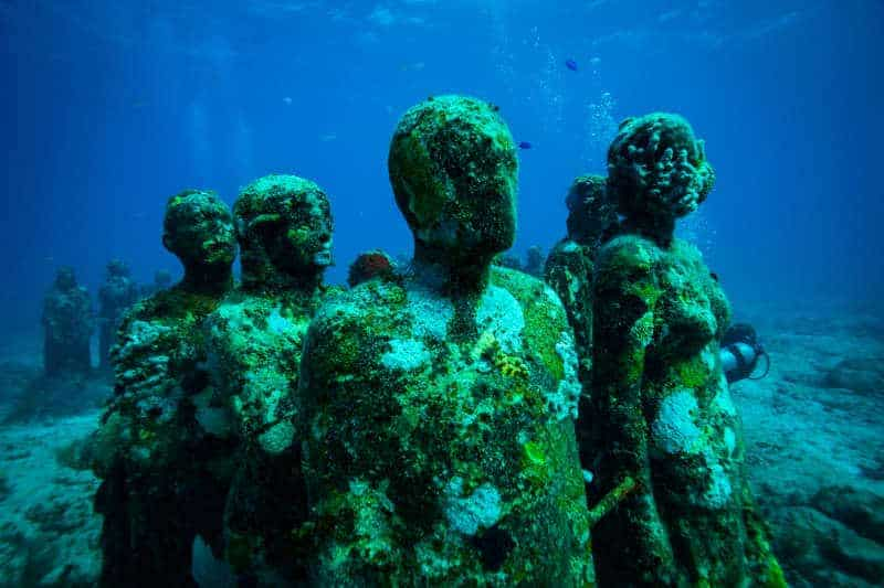 Statues at the Underwater museum